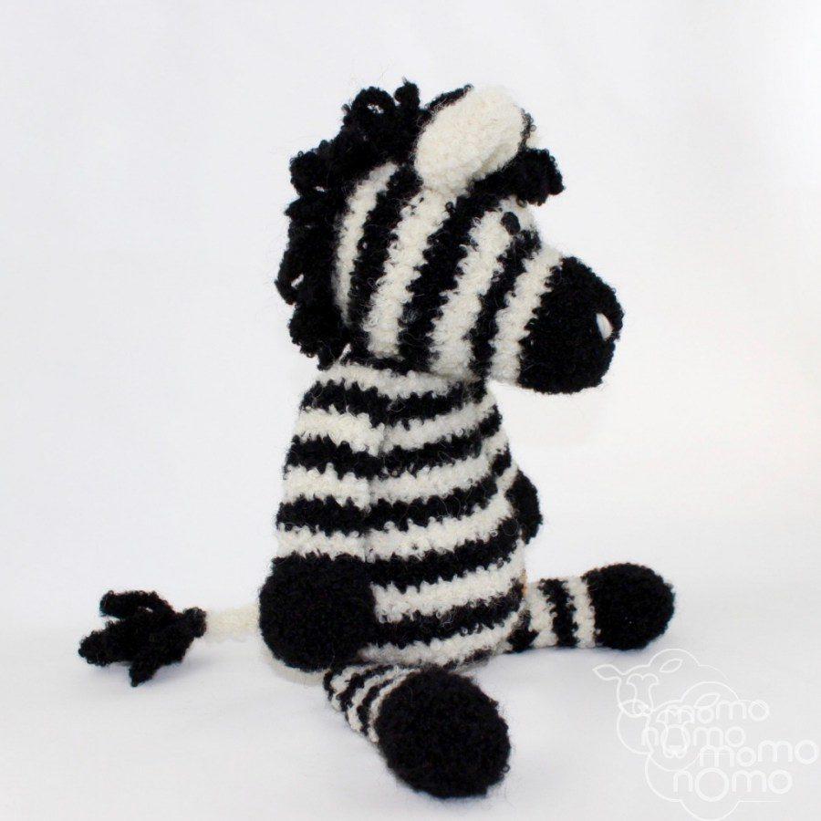 przytulanka zebra z naturalnej włóczki z alpaki