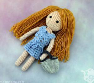 lalka z długimi włosami blond