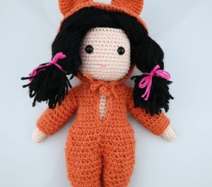 lalka w stroju kota