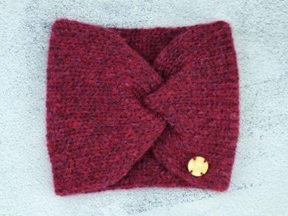 bordowa szeroka opaska damska z naturalnej wełny alpaki ciepła i miękka, zrobiona na drutach