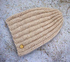 Długa czapka beanie z alpaki jasnobeżowa