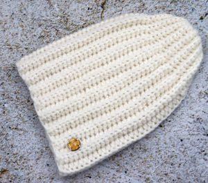 Ciepła czapka z alpaki ecru