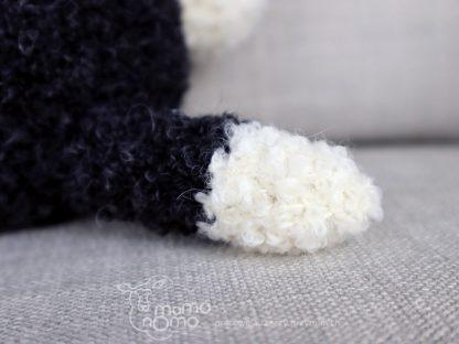 piesek pluszak czarno-biały